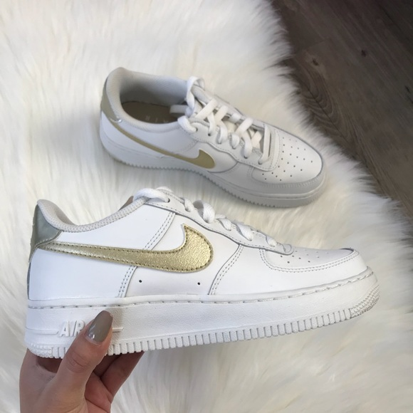 Nike Air Force 1 Metallic Gold